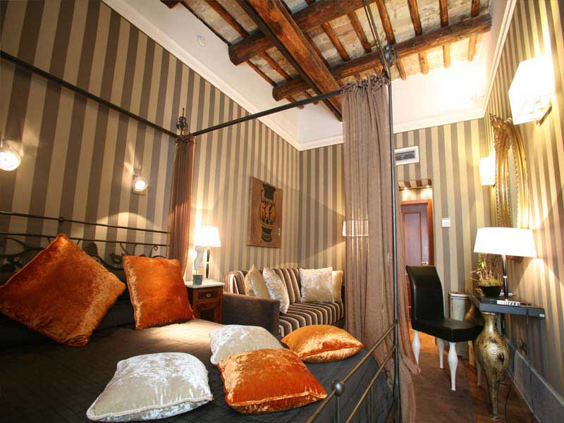 The view at the spanish step luxury hotels in the world for Best small luxury hotels in the world