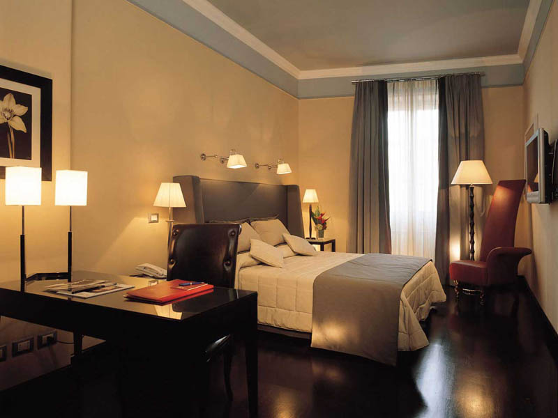 The Inn At The Spanish Step  is Hotel in rome